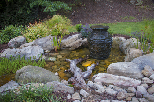 Fountain in Pond - Aquascape