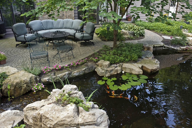 Ample seating lets you enjoy the water feature with family and friends.